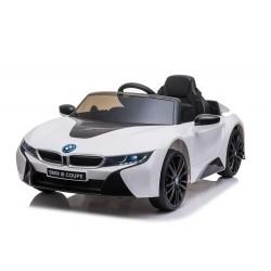 Véhicule électrique blanc BMW I8